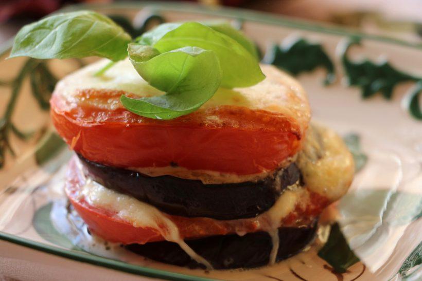Запеканка из баклажанов, помидоров и сыра