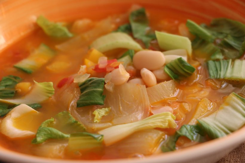 Суп из белой фасоли и капусты Пак чой